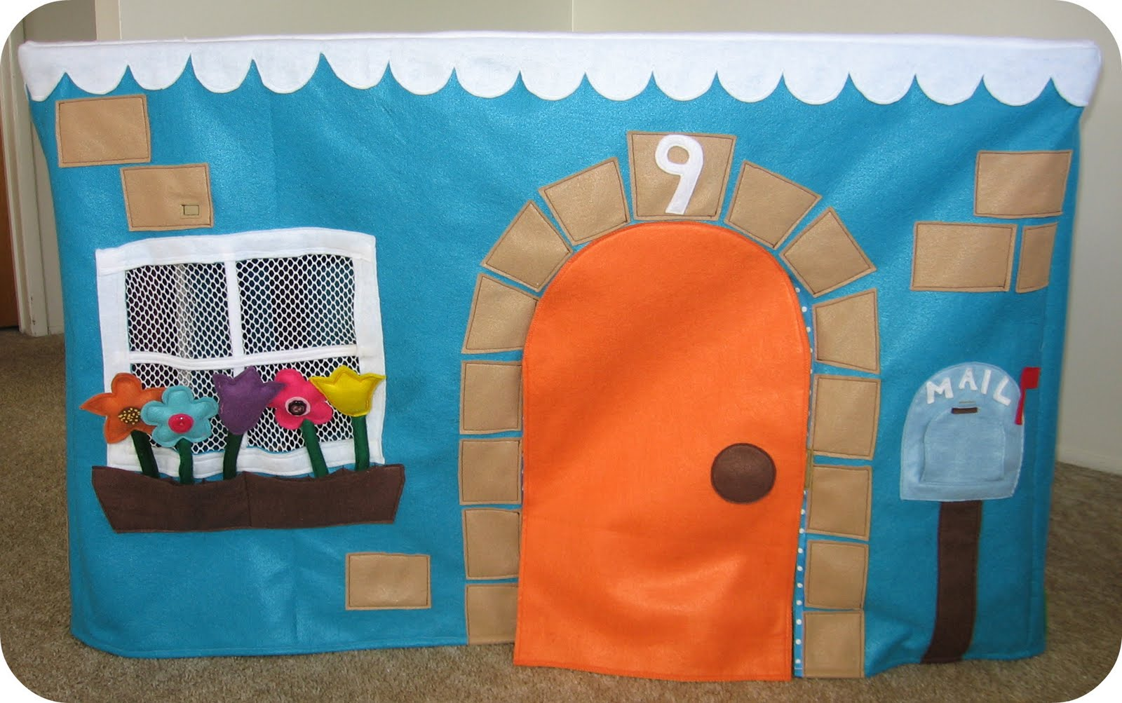 Как сделать игровой домик для ребенка своими руками